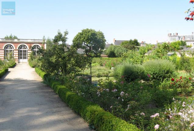 Sarthe sept jardins remarquables ouverts ce week end le for Jardin remarquable 2015