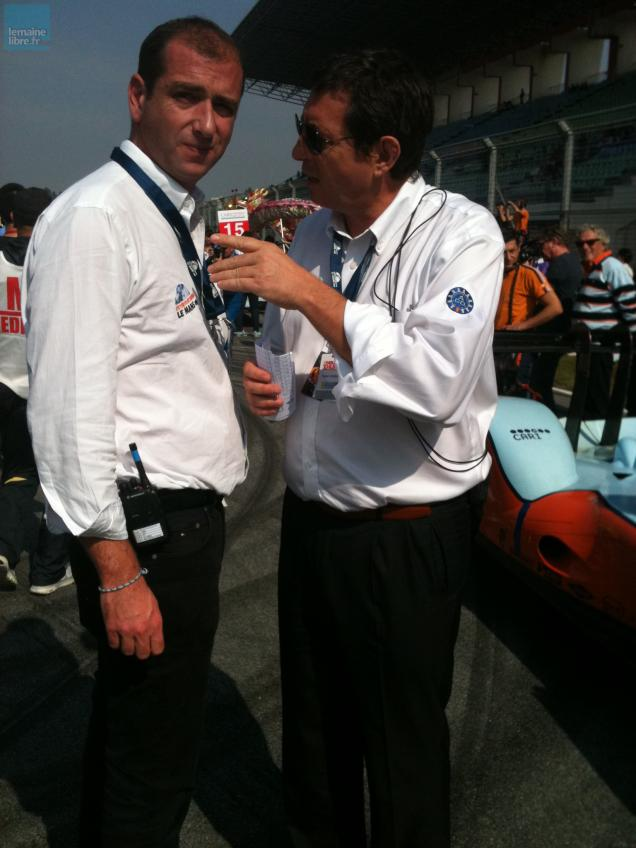 Gérard Neveu (à droite), ici en discussion avec Vincent Beaumesnil (directeur de