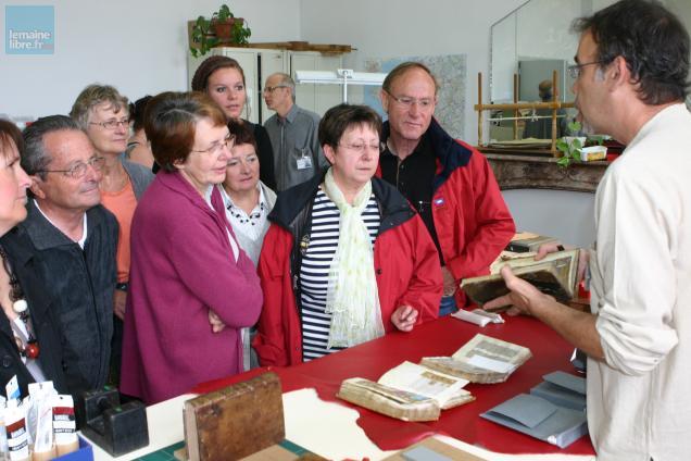 Les visiteurs pourront découvrir les ateliers de la BNF comme ici la reliure.