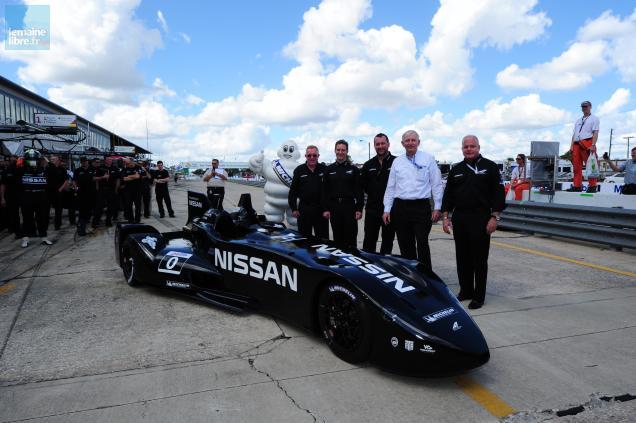 Sur la piste de Sebring, la DeltaWing vient de faire ses premiers tours de roues. Dans trois mois, elle sera au Mans.
