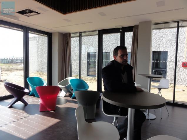 Un nouveau centre d'hébergement éducatif et sportif opérationnel depuis le début de la semaine, à La Flèche. Son responsable : Laurent Hamelin.