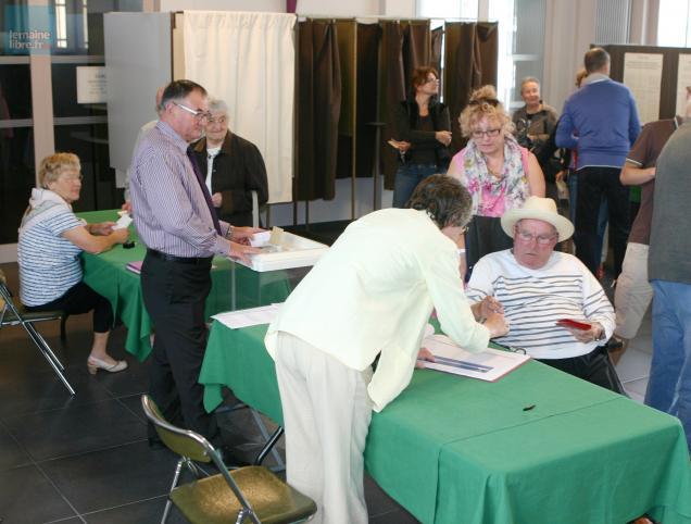 L gislatives la participation en hausse sabl sur for Achat chambre maison de retraite