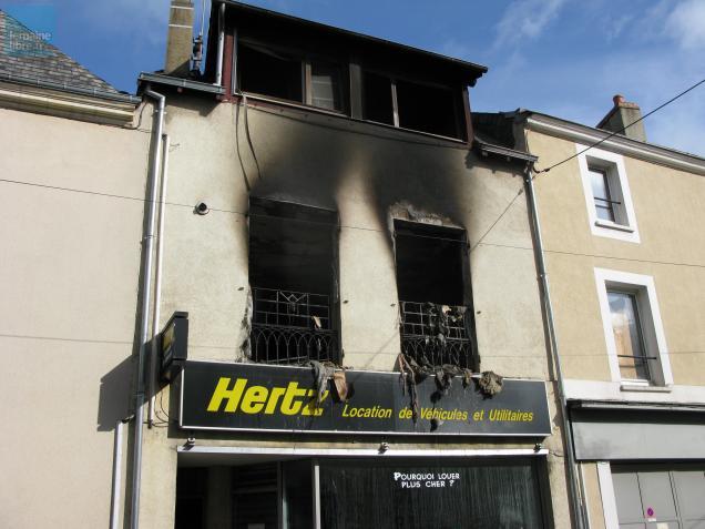 La façade de l'immeuble détruit par les flammes.