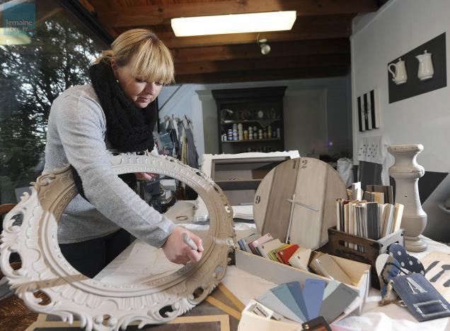 salon de l 39 habitat anne g relooker ses meubles c est. Black Bedroom Furniture Sets. Home Design Ideas