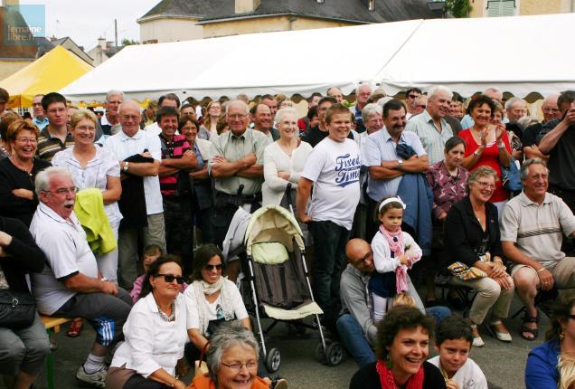 Le public est venu en masse cet après-midi vivre l'ambiance de ce festival.