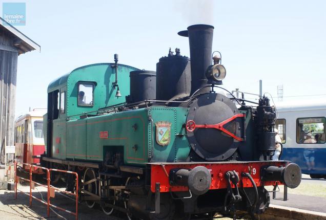 La Chéronne, locomotive à vapeur, était de service.